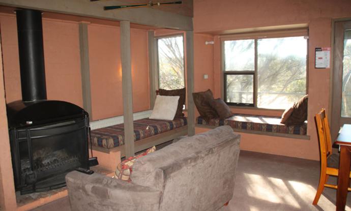 Snowgums Apartment 12 - Dinner Plain - Snow Reservations - Snow Accommodation